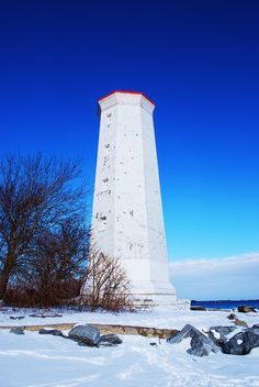 Presqu'ile Provincial Park Lighthouse - the park is beautiful in all seasons! All About Canada, Places To Travel, Places To Visit, Prince Edward, Amazing Architecture, Lighthouses, Beautiful World, Ontario, Skiing