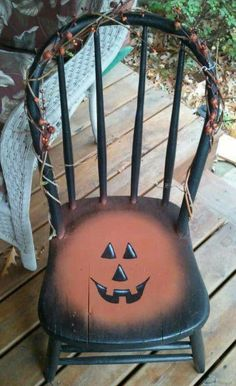 wooden chair painted for halloween Halloween Painting, Holidays Halloween, Vintage Halloween, Halloween Crafts, Halloween Decorations, Country Halloween, Modern Halloween, Halloween Ideas, Happy Halloween