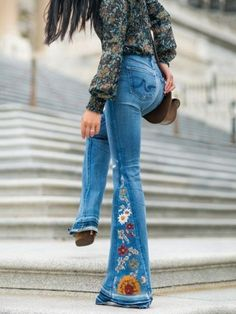 Luluslike Embroidered Jean Bell-bottoms Source by mynameisjaci jeans outfit Denim Fashion, Look Fashion, Fashion Black, Fashion Women, Winter Fashion, Jean Outfits, Cool Outfits, 70s Outfits, Diy Clothes