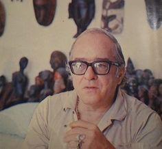 """""""Nas palavras de Carlos Drummond """"Vinicius foi o único de nós que teve vida de poeta"""". Vida de poeta, em outras palavras, seria uma vida apaixonada. Escrever paixão é uma coisa. Viver paixão, outra."""""""