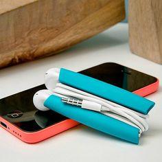 accesorio para ordenar tus audífonos! :)  WRAPSTER-POP_10A9905_TEAL_SHOP8772538-1