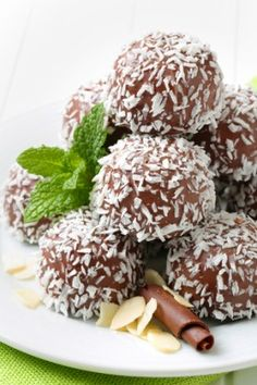 """Naturally Low-Sugar Chocolate Coconut Balls (none of that agave """"nectar"""" crap, either!)"""