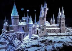 Hogwarts-in-the-Snow-Travel-and-Transport-to-Harry-Potter-Golden-Tours.jpg (1000×720)