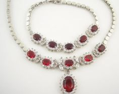 SALE Vintage Red Rhinestone Necklace Set by WearableArt on Etsy