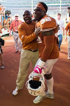 Head coach Charlie Strong and OLB Malcolm Roach Longhorns Football, Texas Longhorns, Charlie Strong, University Of Texas, Fun Time, College Football, Athlete, Big, Sports
