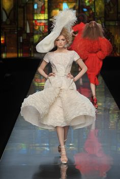 Christian Dior Spring 2009 Couture - Runway Photos - Collections - Vogue