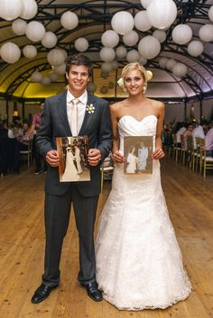 Bride and groom with photographs of their parents at their wedding, Great wedding photo idea!