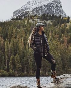 Cute Camping Outfits, Cute Hiking Outfit, Trekking Outfit, Summer Hiking Outfit, Winter Outfits For Teen Girls, Winter Outfits Women, Outfit Winter, Womens Hiking Outfits, Fall Outfits