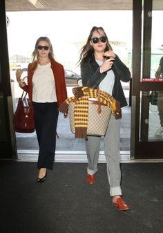 #DakotaJohnson, #LosAngeles Dakota Johnson Travel Outfit - Catches a Flight Out of Los Angeles – 03/29/2017 | Celebrity Uncensored! Read more: http://celxxx.com/2017/03/dakota-johnson-travel-outfit-catches-a-flight-out-of-los-angeles-03292017/