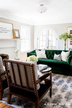 un salon luminoso y clasico
