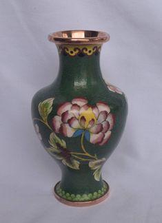 Cream Ceramic Glazed Lace Flower Vase 30cm Tall Raised Lace Design Vases Ceramic Vases
