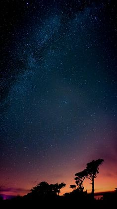 Cause I can wake my ass up if u actually wanted to talk a bit. Or we could just talk tomorrow. Are u tired too? Night Sky Wallpaper, Dark Wallpaper, Galaxy Wallpaper, Nature Wallpaper, Iphone 5s Wallpaper, Planets Wallpaper, Sky Aesthetic, Galaxy Art, Star Sky