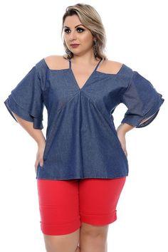 Blusa confeccionada em algodão estilo ciganinha com alça, gola v com detalhe de amarração e manga curta.