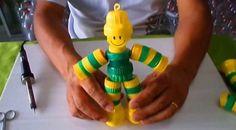 Faça com que as suas crianças também entrem no clima da Copa do Mundo fazendo para elas um boneco de
