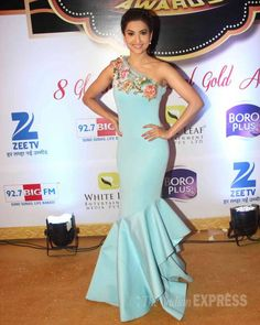 Gauahar (Gauhar) Khan at Gold Awards 2015 - #GoldAwards2015. #Bollywood #Fashion #Style #Beauty
