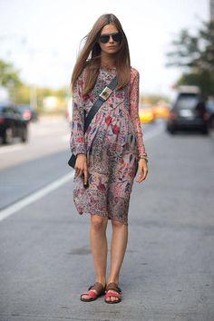 Boho Street Style Inspiration: Flowy Printed Dress Spring Look #johnnywas