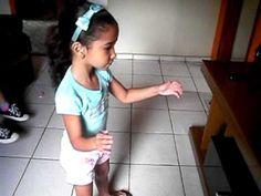 Marília dançando Mc Pocahontas .