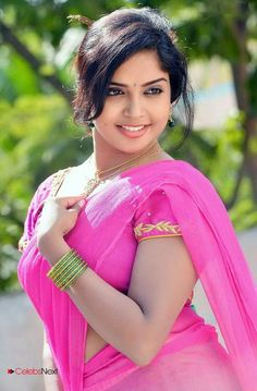 indian hot fat aunty nude boobs image captured in honeymoon hotel garden Beautiful Girl Indian, Most Beautiful Indian Actress, Beautiful Saree, Beautiful Gorgeous, Beautiful Actresses, Beautiful Ladies, Beautiful People, Beauty Full Girl, Cute Beauty