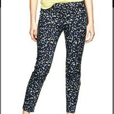 Gap slim cropped pants Slim fit ankle length pants, navy blue and yellow animal print. GAP Pants Ankle & Cropped