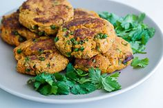 High Fiber and Vegan. Celebrate meatless Monday with a veggie burger patty that's neither processed nor dressed in preservatives. CookSmarts' recipe for sweet potato and chickpea burgers will give you a fresh and fillin. Vegetarian Recipes, Cooking Recipes, Healthy Recipes, Healthy Foods, Healthy Lunches, Veggie Recipes, Free Recipes, Mushroom Veggie Burger, Veggie Burgers
