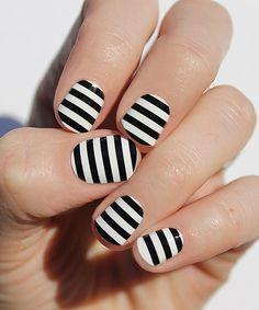Black & White Bold Stripe Nail Wrap