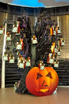 Trick or Treat Tree by @Fantasypartys