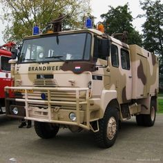 military fire trucks | Military Vehicle Photos - 1989 DAF Fire Truck KL1042 ( ex. 263 )
