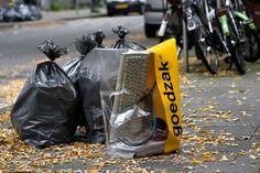 'Goedzak' ถุงขยะโปร่งใส ใส่ของเหลือใช้ ใครสนใจก็เอาไปใช้ต่อได้