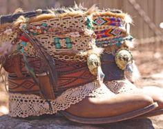 Upcycled Custom rielaborato vintage boho festival stivali da