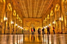 SWEDEN, STOCKHOLM, GOLD ROOM IN THE CITY HALL