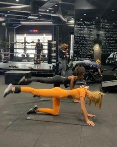 Workout Pics, Butt Workout, Workout Videos, Gym Workouts, Body Inspiration, Fitness Inspiration, Fitness Goals, Yoga Fitness, Magazine Sport