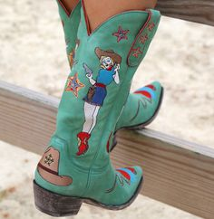 Old Gringo Cowgirl Guns Turquoise Boots Fence Dr Shoes, Sock Shoes, Cute Shoes, Me Too Shoes, Aesthetic Shoes, Aesthetic Clothes, Turquoise Boots, Old Gringo Boots, Over Boots