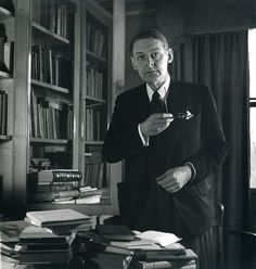 Eliot in his office at Faber & Faber. Writers And Poets, Essayist, Playwright, Literature Books, Book Authors, Famous Faces, Famous Men, My Books, Fiction