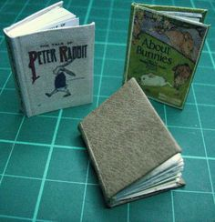 how to make tiny books (with printables)--for the school room in the castle. E will be delighted. Dollhouse Miniature Tutorials, Miniature Dolls, Dollhouse Miniatures, Diy Dollhouse, Mini Books, Rabbit Book, Mini Things, Handmade Books, Book Binding