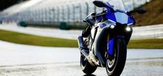2015 YAMAHA YZF-R1 First Look  It was a blustery night in Milan, yet that not the slightest bit hosed the inclination at Yamaha, which jogged out Motogp star Valentino Rossi to ride the hotly anticipated 2015 YZF-R1 onto stage at the enormous dispatch party held the night prior to the EICMA bike show opened. What's more what a noteworthy bicycle this new R1 gives .....