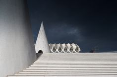 Santiago Calatrava, City of arts and science, Valencia, Spain. Photo Tim Pike