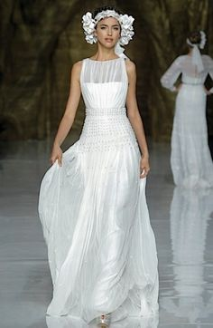 Yanimar #wedding #dress Pronovias 2014 runway show