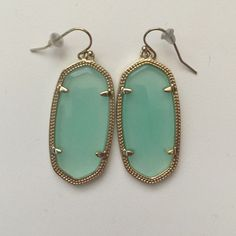 Kendra Scott Elle earrings Mint and gold Kendra Scott Elle earrings in perfect condition Kendra Scott Jewelry Earrings