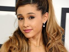 Ariana Grande Look