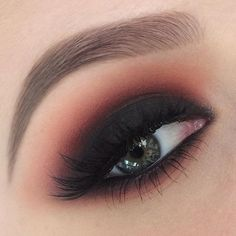 Warm smokey eye   Eyeshadows used are:  @makeupgeekcosmetics Beaches and cream, bitten, Morocco and corrupt  Lashes are @socialeyeslash Minx 2.0 @urbandecaycosmetics 24/7 glide on eye pencil in perversion in the waterline  Brows: @anastasiabeverlyhills #dipbrow in taupe  #melbournemakeupartist #makeupartistmelbourne #makeupgeekcosmetics #anastasiabeverlyhills #urbandecaycosmetics #socialeyes #socialeyeslashes