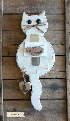 Keyhanger Cat, with cat-magnet Cat Crafts, Easter Crafts, Holiday Crafts, Wood Crafts, Diy And Crafts, Diy Wood Projects, Projects To Try, Art Projects, Bois Diy