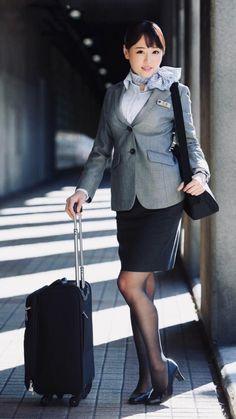 Beautiful Asian Girls, Gorgeous Women, Pantyhose Legs, Black Stockings, Sexy Skirt, How To Pose, Flight Attendant, Cute Woman, Asian Woman
