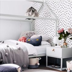 Love this beautifully styled girls room by the always amazing @littlelibertyrooms #kidsinterior #kidsroom #kidsbedroom #childrensroom #childrensinteriors #kidsdecor #decor #kidsbedroominspiration #childrensbedroom #childrensspaces #girlsroom #girlsbedroom #boysroom #boysbedroom #interiorinspo #bedroom #interiors #roxyoxycreations #housebed