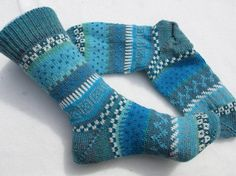 Socks in bright blue tones size – knitted socks in Nordic Fair Isle patterns – socken stricken Fair Isle Knitting, Knitting Socks, Free Knitting, Knitting Patterns, Crochet Patterns, Knit Socks, Colorful Socks, Colourful Outfits, Crochet Baby