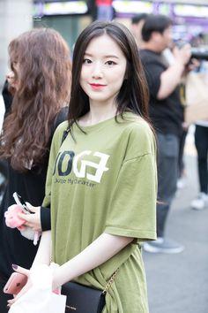 ๑ ﹝Shuhua. Kpop Girl Groups, Korean Girl Groups, Kpop Girls, Fashion Tag, Daily Fashion, Girl Fashion, K Pop, I Don T Love, Shared Folder