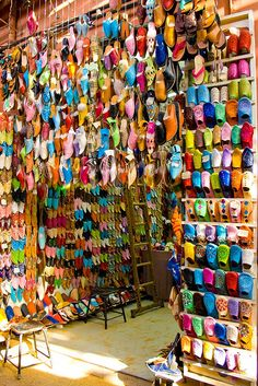 shoe stall marrakesh - im going to bring a pair home with me!