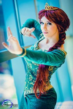 Disney Cosplay Princess Fiona, AmberSkies Cosplay, photo by Cosplay Hair, Cosplay Anime, Marvel Cosplay, Disney Cosplay, Couples Cosplay, Cosplay Girls, Amazing Cosplay, Best Cosplay, Cool Costumes