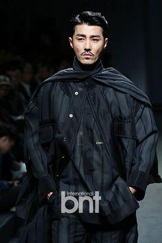 Cha Seung Won @ 141018 SONGZIO S/S Fashion Show