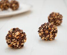 Bombones Ferrero sin leche y sin azúcar. Infinitamente más ricos y más sanos que los originales. Nutritivos, placenteros y saludables.