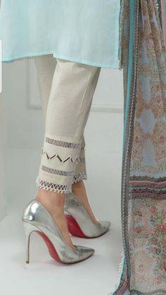 Kids Maxi Dresses, Stylish Dresses For Girls, Fancy Dress Design, Stylish Dress Designs, Baby Girl Frock Design, Trousers For Girls, Sleeves Designs For Dresses, Girls Fashion Clothes, Fashion Heels